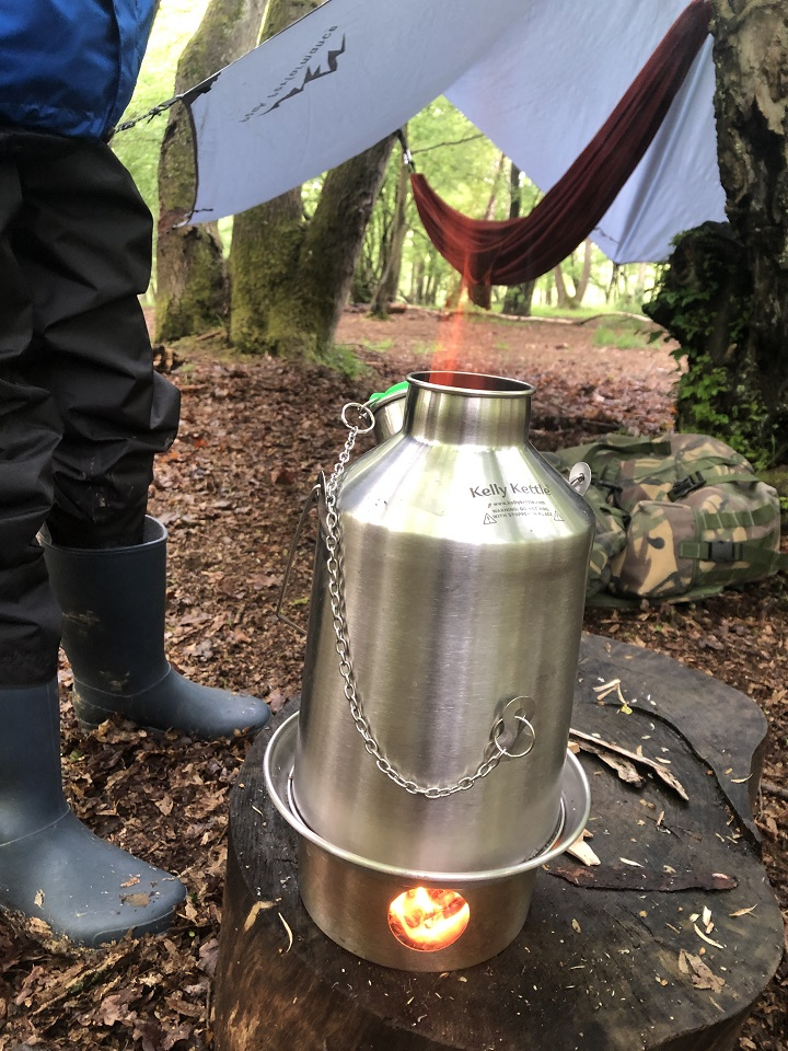 My 9 year son and I were keen to try out our new Kelly kettle as soon as it arrived. It didn't matter that it was raining. It worked really well and we had some lovely hot chocolate. (Hertfordshire, U.K.)